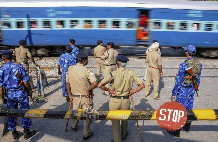 Railways Decides To Build 3,000 Km Walls Across The Country To Stop