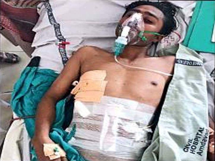 Gujarat, Cow vigilantes, Zaheer Qureshi, stab, knife, police, Mustafa Sipai