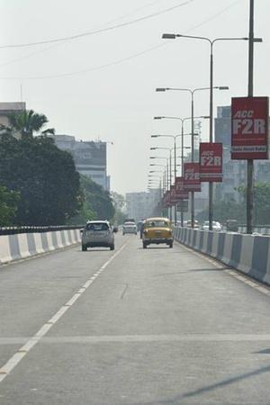 Kolkata plastic use road repairs HIDCO bitumen pollution IIT KGP experiment