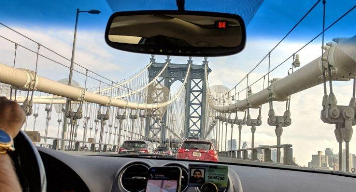 manhattan bridge through an uber on pixel 3 xl