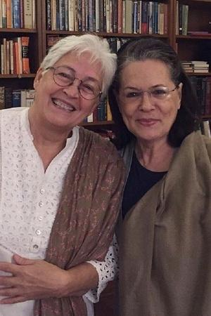 Nafisa Ali posts a picture with Sonia Gandhi as she reveals she has cancer