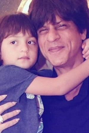 Shah Rukh Khan requests Amitabh Bachchan to spend his Saturdays with AbRam