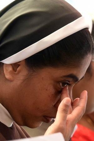 Accused Jalandhar Bishop Franco Mulakkal kerala high court bail passport