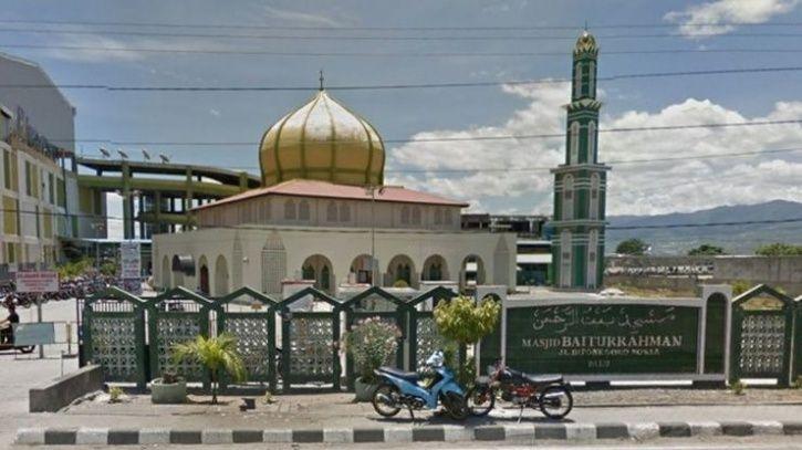 indonesia Baiturrahman mosque palu
