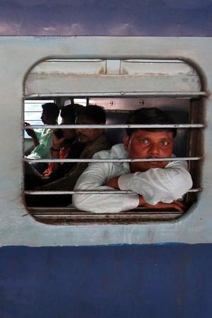 Migrants leaving Gujarat
