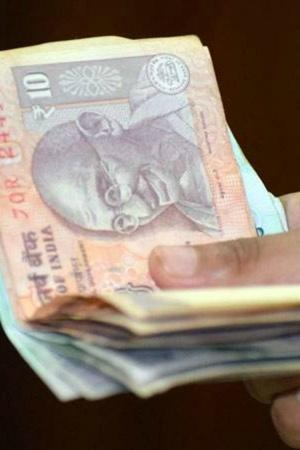 Transparency International Local Circles bribery survey Uttar Pradesh respondents