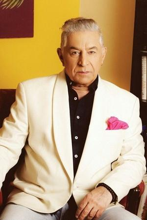 Drunk Dalip Tahil Rams His Car Into An Autorickshaw Attempts To Flee But Gets Arrested