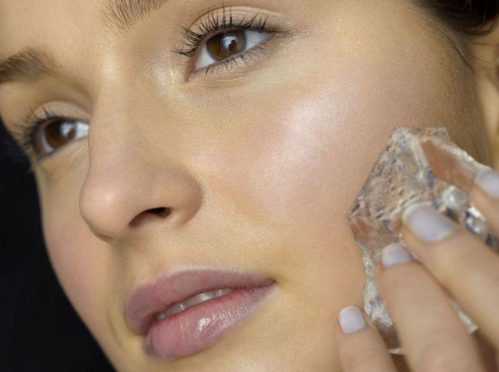 Here's How An Ice Cube A Day Can Keep Your Skin Problems At Bay