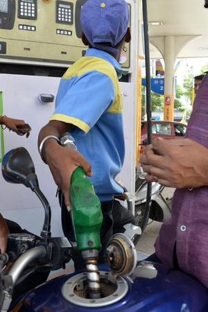 Petrol Price May Hit Rs 100 Mark In Mumbai Before Diwali