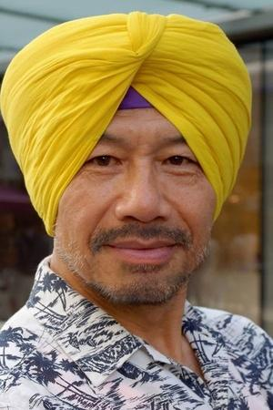 Chinese Man Embraces Sikhism