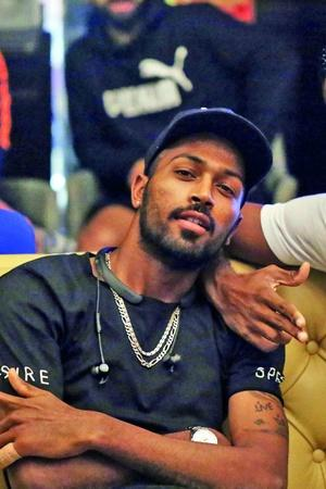 hardik and kl rahul pay 1 lakh each martyr families