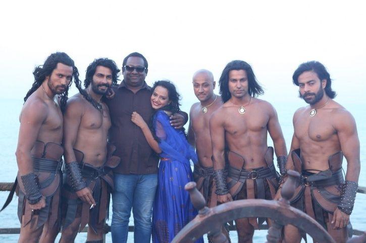 Kamasutra 3D actress Saira Khan passes away following a cardiac arrest.