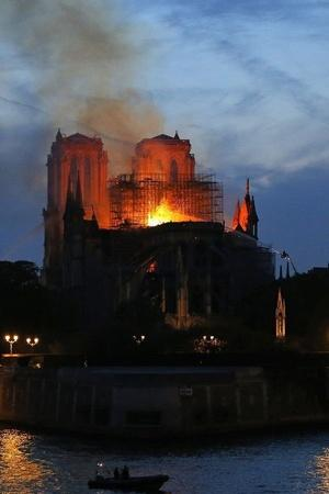 Notre Dame Cathedral Fire Celebrities Mourns Loss Of Historical Church Notre Dame Cathedral
