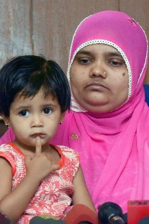 SC Asks Guj To Pay Rs 50L To Bilkis Bano ISIS Claims Responsibility For SL Blasts Top News