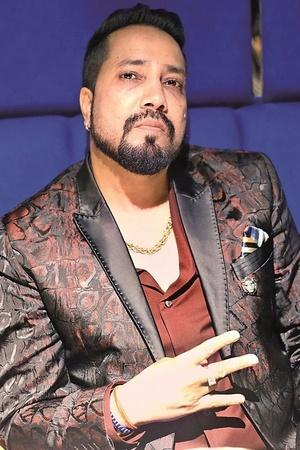 AICWA Bans Boycotts Mika Singh From Indian Film Industry After He Performs At An Event In Pakistan