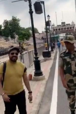 Mika Singh Shouts Bharat Mata Ki Jai R Madhavan Shuts Down Troll More From Entertainment