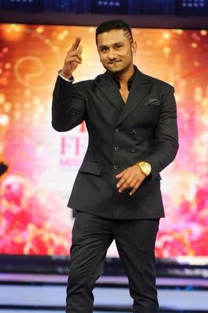 NonBailable Warrant Issued Against Yo Yo Honey Singh In 7YearOld Case Lodged By IPS Officer