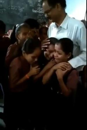Teacher Student Crying Katni