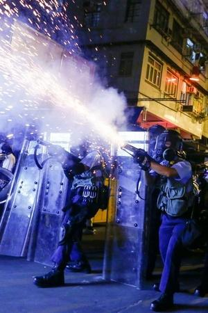 What Is Happening In Hong Kong Why Is China Deploying Paramilitary Forces