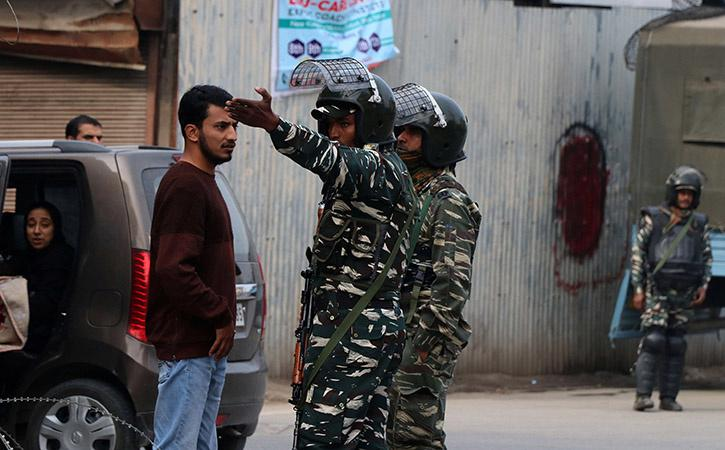5 Kashmiri Political Leaders Released After Four Months Of Detention