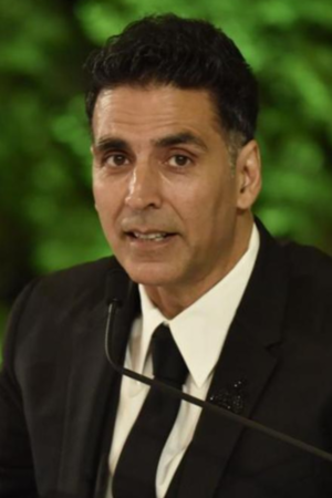 Akshay Kumar Has Finally Applied For Indian Citizenship & People Have A Lot Of Thoughts