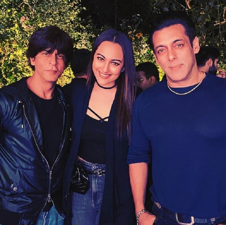 This Picture Of Shah Rukh Khan Bonding With Salman Khan On His 54th Birthday Is Frame-Worthy!
