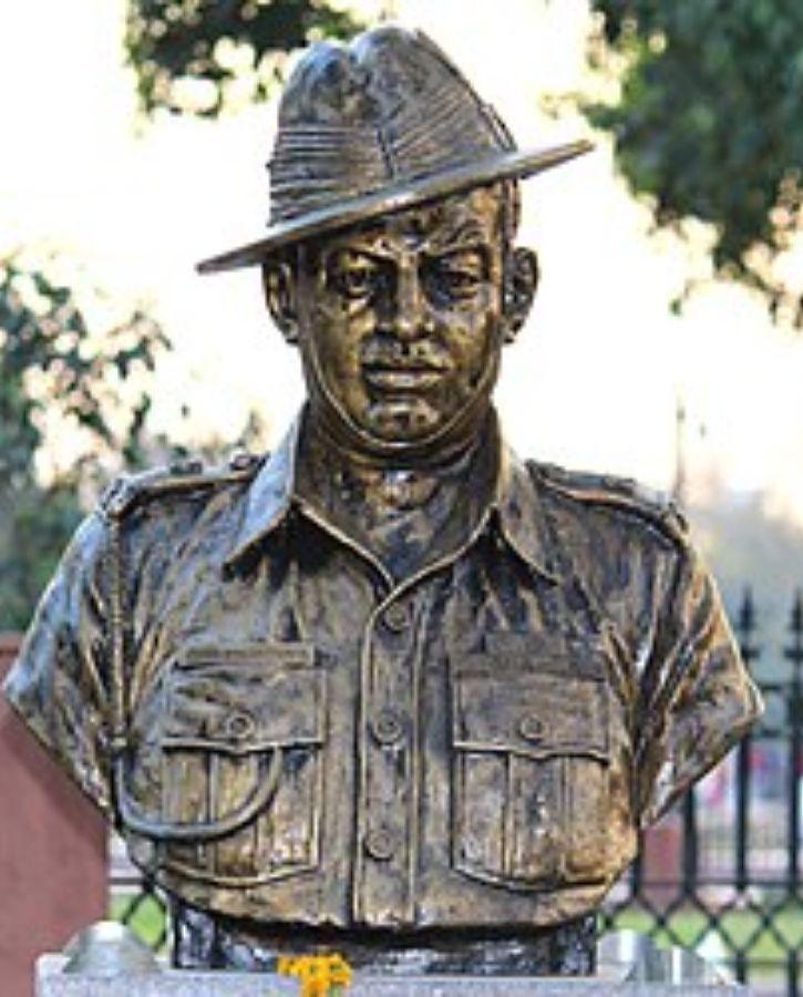 Major Dhan Singh Thapa Statue