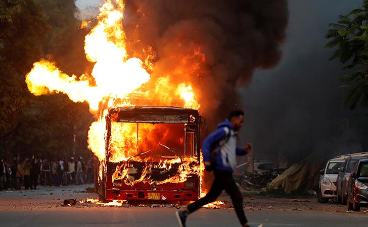 Burning Bus in delhi