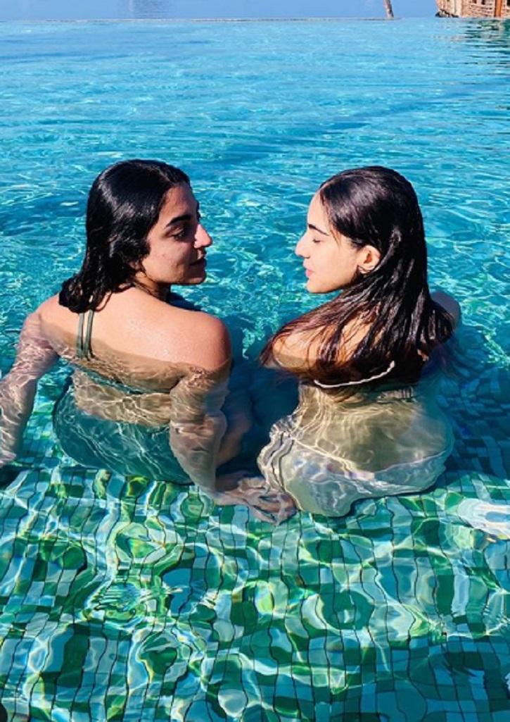 Sara ali khan bikini pics