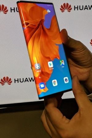 huawei mate x foldable screen smartphone mwc 2019