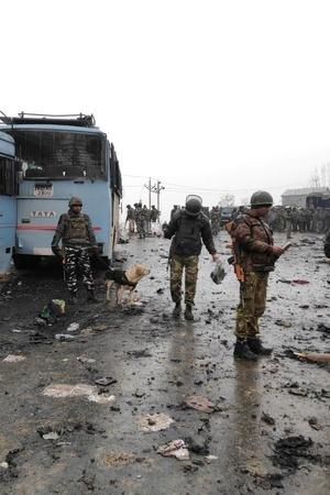 Post Pulwama Attack NIA Team Probes 15Kilometre Highway Stretch And Calls From Pakistan