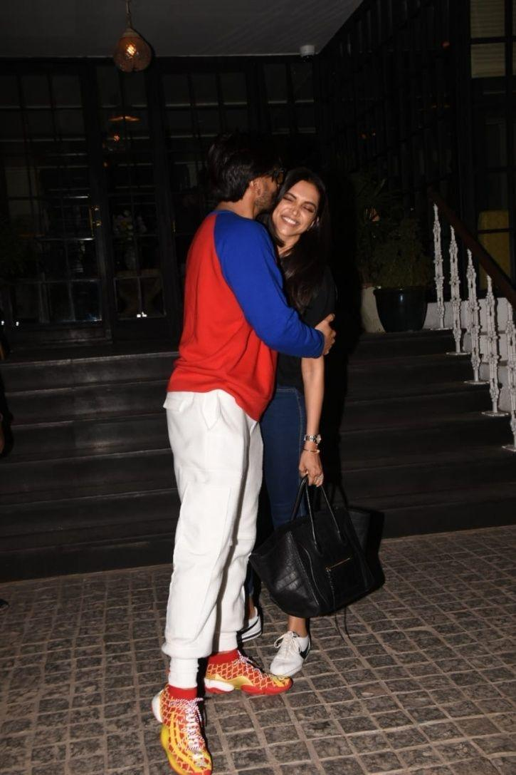 Ranveer and Deepika's PDA is making our hearts melt.