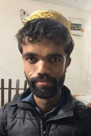 RanveerDeepikas PDA Peter Dinklages LookAlike Spotted In Pakistan More From Ent