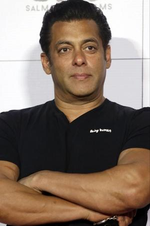 Salman Khan Top Bollywood News