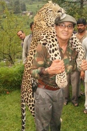 Shafath Ali Khan mateater tigers terrorists shooter Avni Maharashtra Asghar Ali Khan