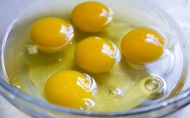 unboiled egg