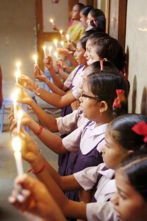 Valentines Day Surat Gujarat pledge Kamlesh Masalawala laughter therapist Bajrang Dal