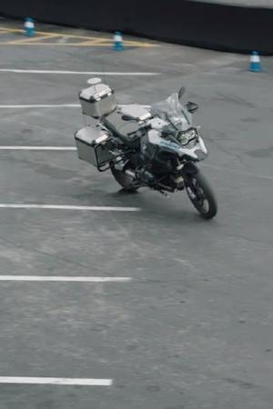 BMW Self Riding Bike BMW Autonomous Bike BMW Self Driving Motorcycle CES 2019 Self Driving Cars