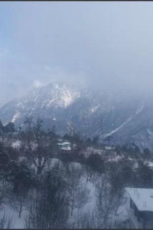 Himachal Pradesh cold wave snowfall Kullu and Manali Kufri rainfall