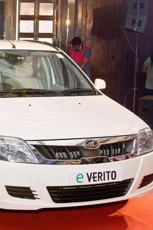 India Electric Vehicles BluSmart Gensol Mobility Tata Motors Mahindra EV Taxi Service Electri