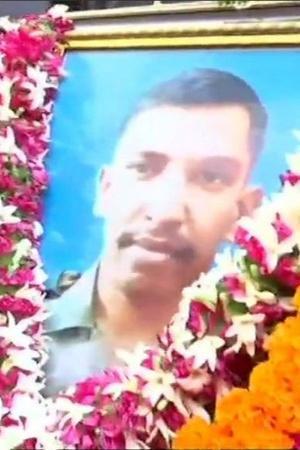 Major Shashidharan V Nair IED blast Nowshera sector Jammu and Kashmir wreath laying