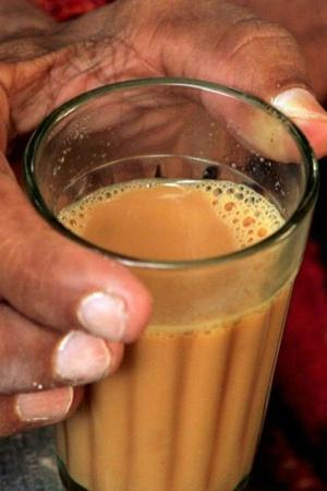 Meet Chhattisgarhs 44YearOld Chai Wali Chachi Whos Been Living On Tea For Over 30 Years