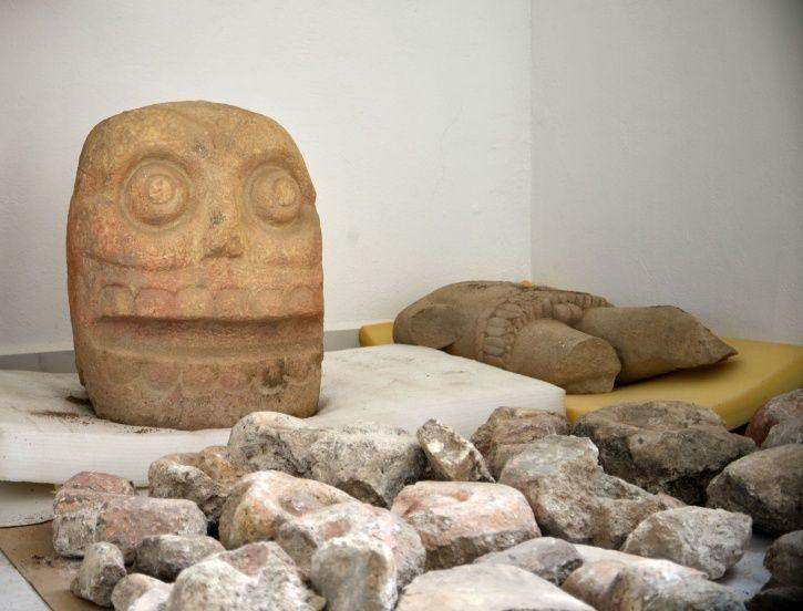Mexico temple, priests wearing dead skin, flayed Lord, Xipe Totec, University of Florida, archaeolo