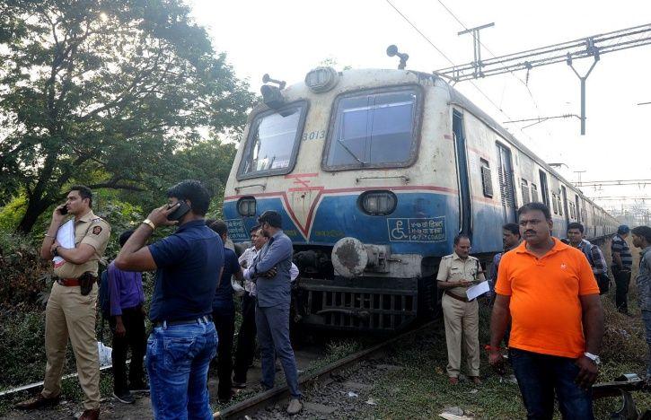 Mumbai deaths, jaywalking, trespassing, railway suburbs, Piyush Goyal, overcrowding