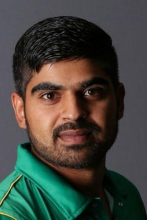 Pakistan cricketer Haris Sohail black magic knee injury South Africa test series