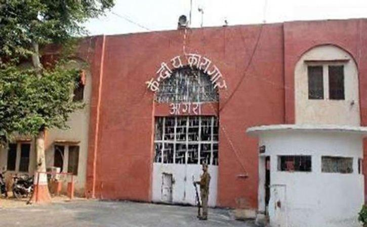 agra jail inmates make eco bricks