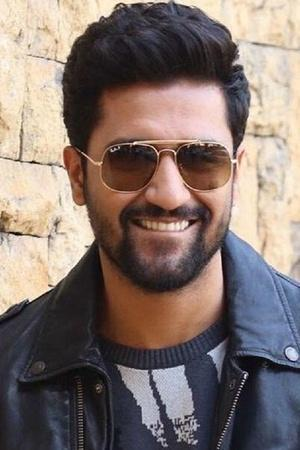 Fan Joins Indian Navy After Watching Uri The Surgical Strike Vicky Kaushal Is Happiest