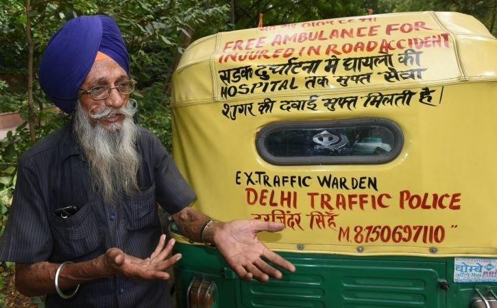 This 76-Year-Old Man Runs Free Auto Ambulance In Delhi & Proves Humanity Still Exists