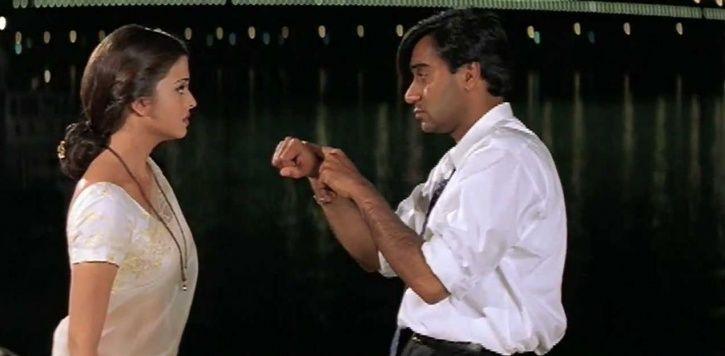Ajay Devgn AKA Vanraj and Aishwarya Rai aka Nandini in Hum Dil De Chuke Sanam.