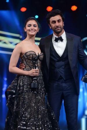 Alia Bhatt Is The Happiest With Ranbir Kapoor Says Nazar Na Lage On Their Relationship